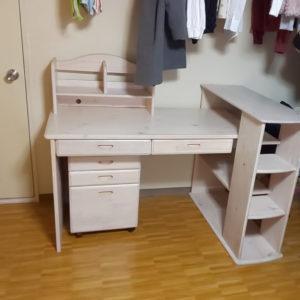 学習机2点を当日回収!お部屋が広くなった、とご満足いただけました!