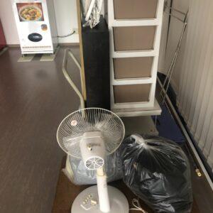 カーペット、本棚、鏡台、ラック、扇風機、衣装ケース等の回収・処分